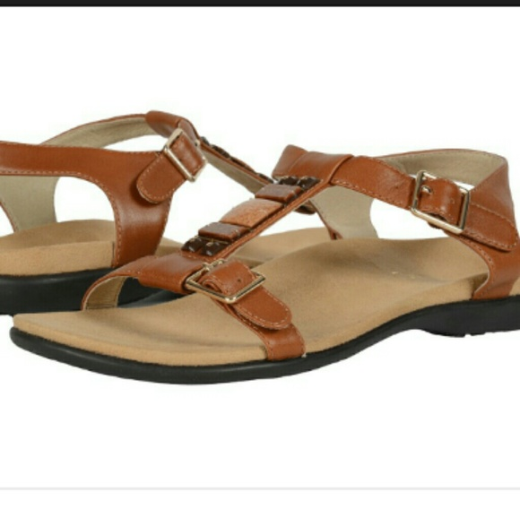 7025d9a40fdf Vionic t-strap Lenox sandal
